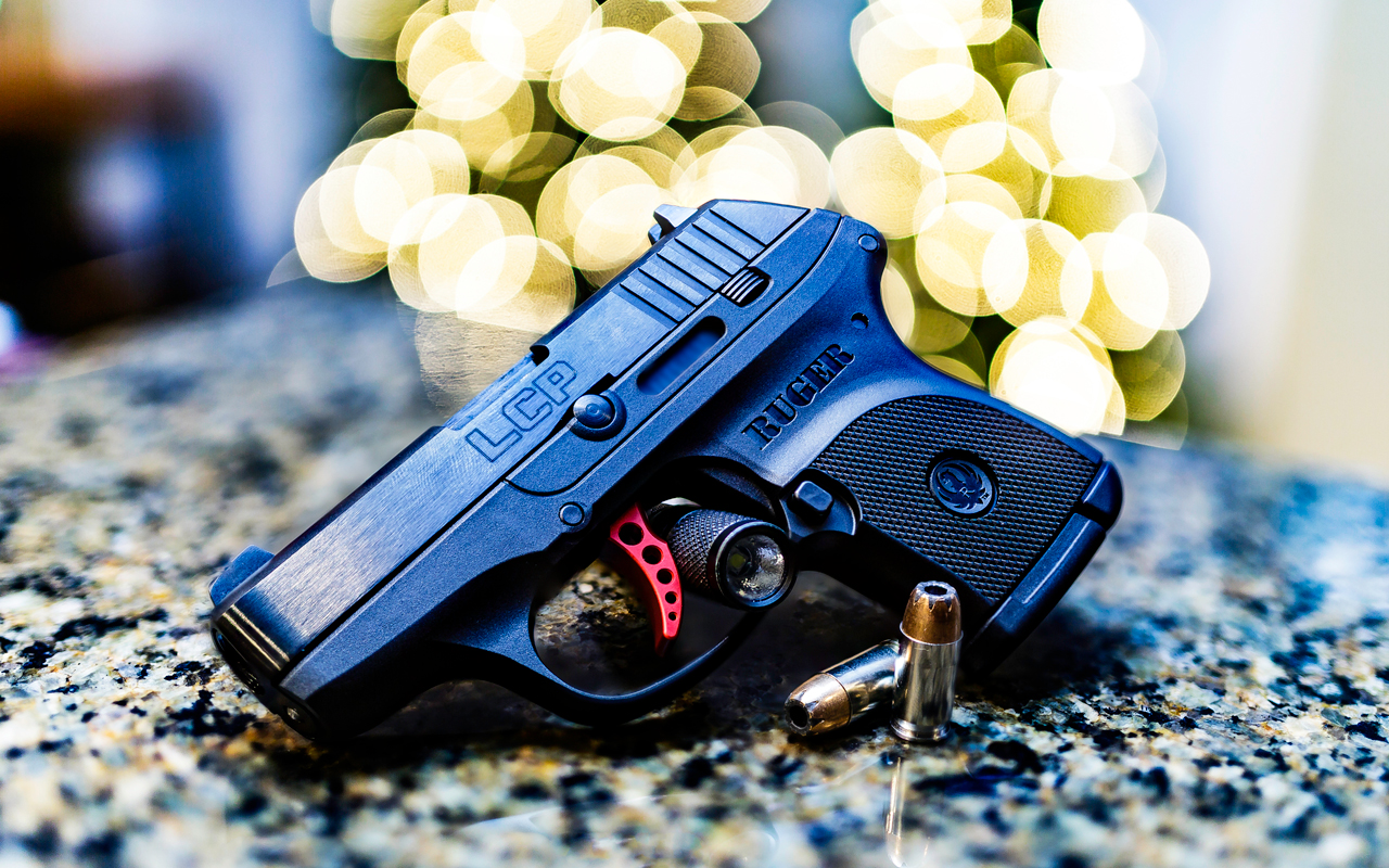 IMAGE: http://www.dannynabors.com/2015_Pics/Ruger.jpg